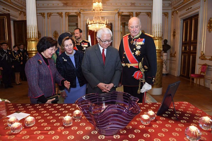 (From left) Mrs Mary Tan, Queen Sonja, President Tony Tan and King Harald V during the gift presentation at the white parlour in the royal palace.