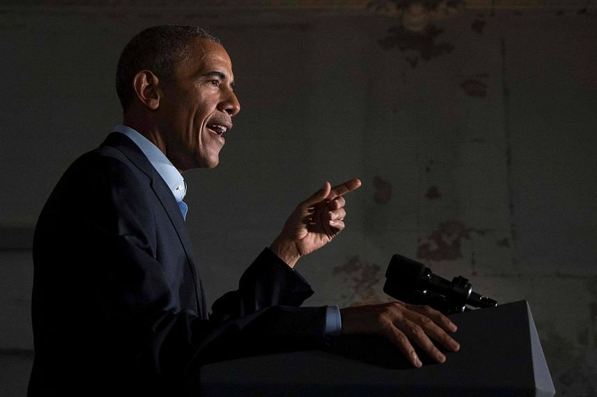 US President Barack Obama speaks at a fund-raising event in Chicago, Illinois.