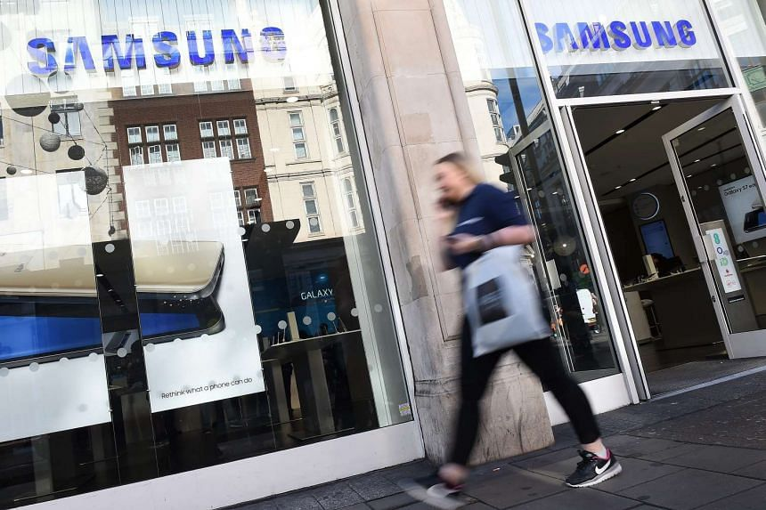 Samsung has announced it will permanently stop production of its high-end Galaxy Note 7 smartphones after reports of the phones catching fire.