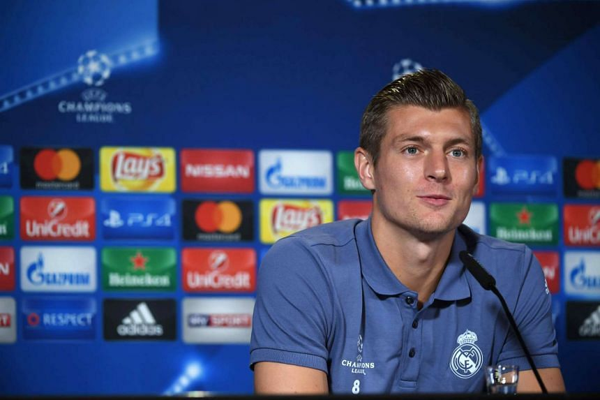 Real Madrid´s German midfielder Toni Kroos has agreed to extend his contract until 2022.