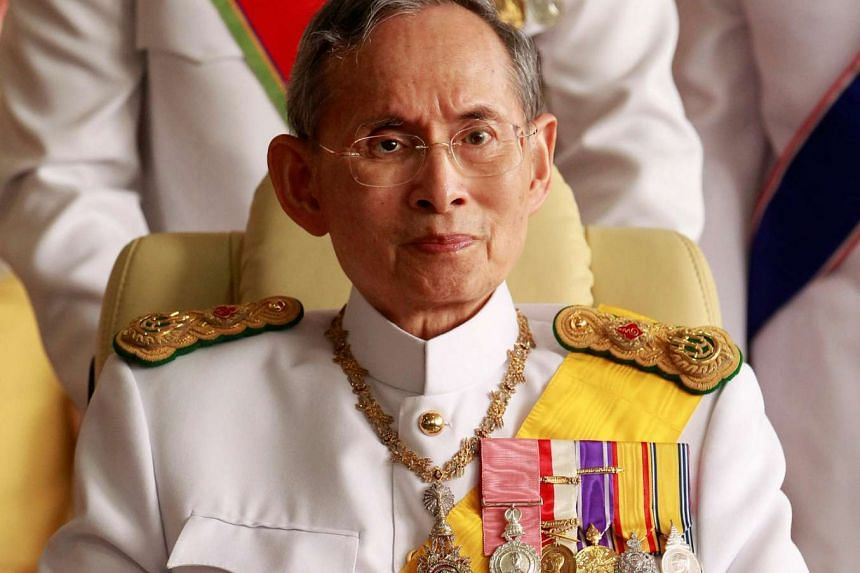 Thailand's King Bhumibol Adulyadej leaves the Siriraj Hospital for a ceremony at the Grand Palace in Bangkok in this Dec 5, 2010 file photo.