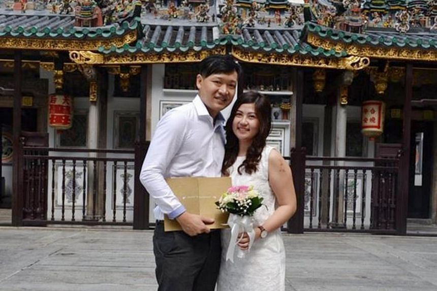 Mr Mah Chun How (left) and Ms Kang Say See getting married at Yueh Hai Ching Temple in Raffles Place in on Sept 15.