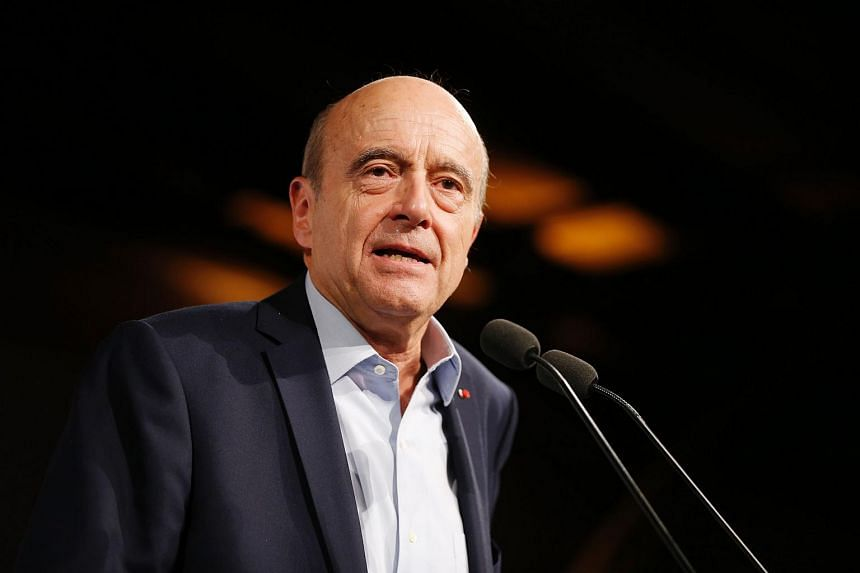 Bordeaux mayor Alain Juppe speaks during a meeting with youth on Oct 8, 2016.