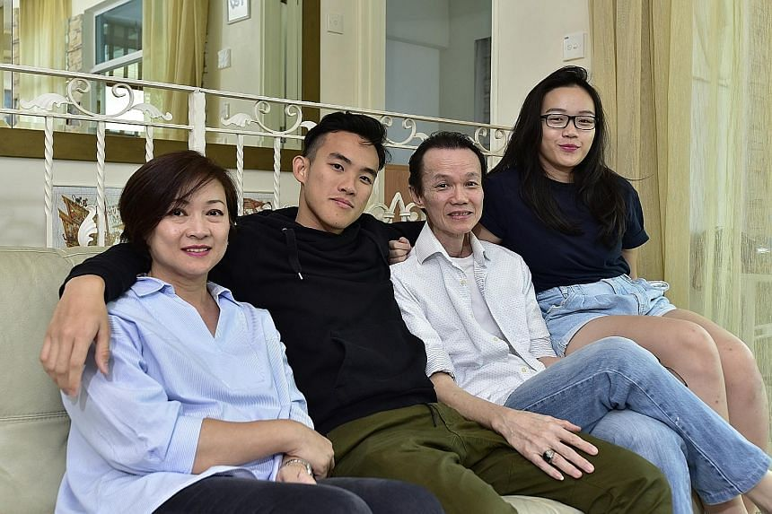Manfred with his mother Connie Looi, his father Peter Lim and his sister Nadia. His parents ferry him to performances, are the first to like his updates on social media and even watch his shows on live-streaming mobile apps. NICA ID: 40130865, 401308