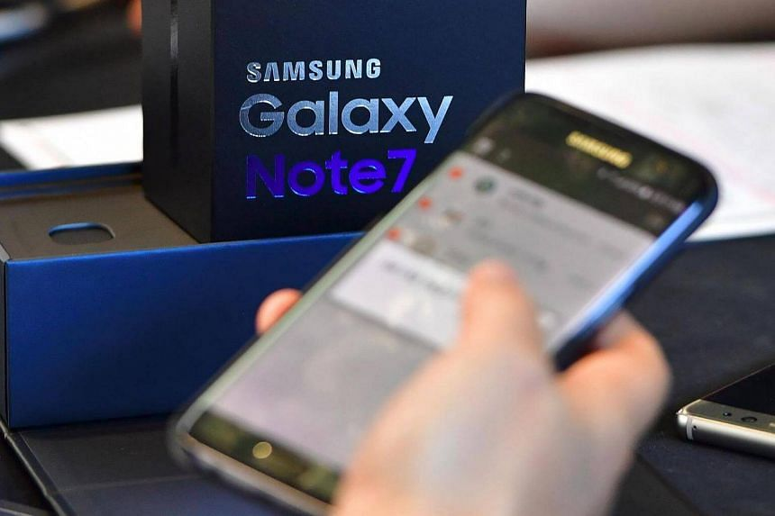 A Samsung Galaxy Note7 smartphone at a telecommunications shop in Seoul.