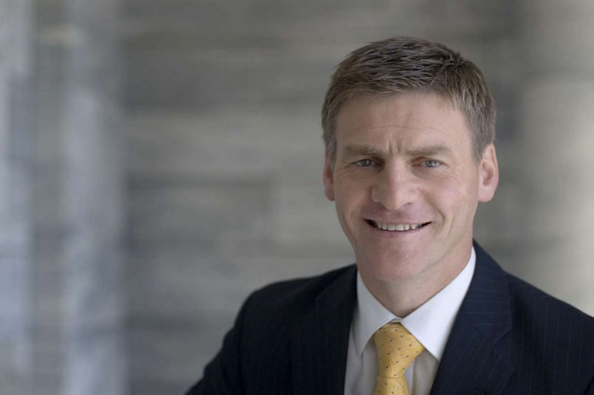 New Zealand Deputy Prime Minister Bill English has cancelled a meeting with two senior Hong Kong democracy supporters this week.