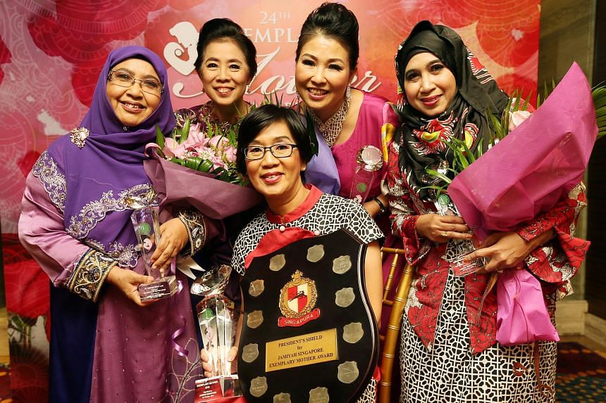 Finalists for the 24th Exemplary Mother Award. From left: Dr Alimah Lob, 70; Madam Tan Siew Suan, 61; Madam Ling Bee Sian, 63; Madam Betty Yu, 54; Madam Norhaiyati Yusop, 53. Madam Ling (center) was the winner this year.