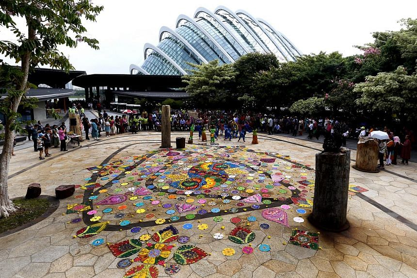 Local visual artist Vijaya Mohan created the largest rangoli made of glass marbles, measuring 10m by 12m.