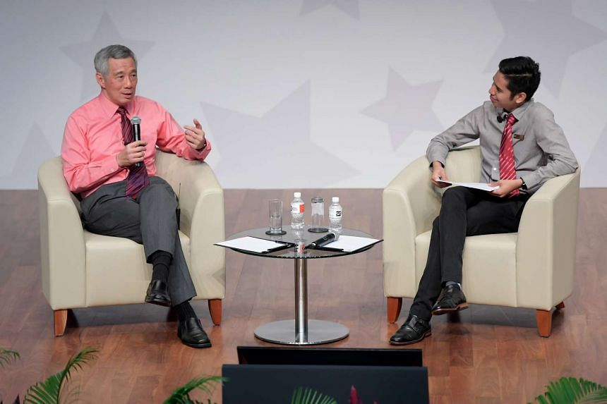 Prime Minister Lee Hsien Loong engages students from Singapore Institute of Technology (SIT) in a dialogue session on Oct 24, 2016.