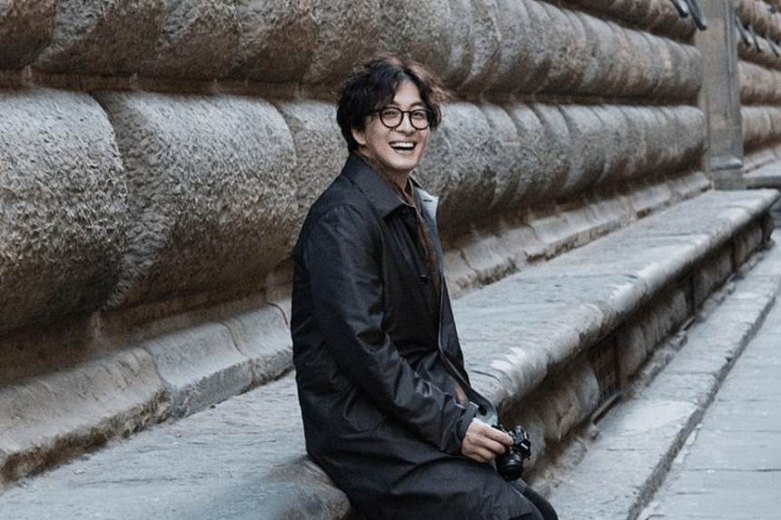 Bae Yong Joon has become a first-time dad after his wife gave birth in Gangnam on Oct 23, 2016.
