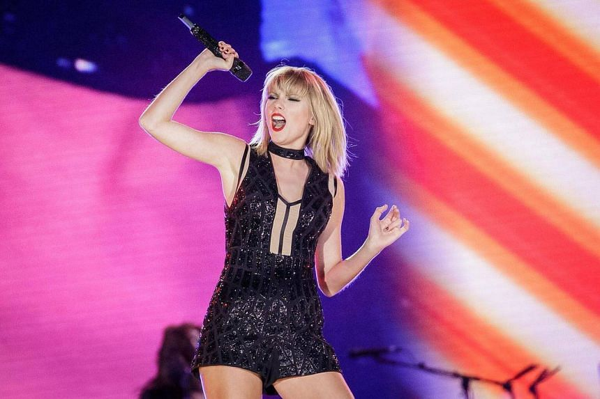 Taylor Swift performs during the Formula 1 United States Grand Prix at Circuit of The Americas on Oct 22, 2016 in Austin, Texas.