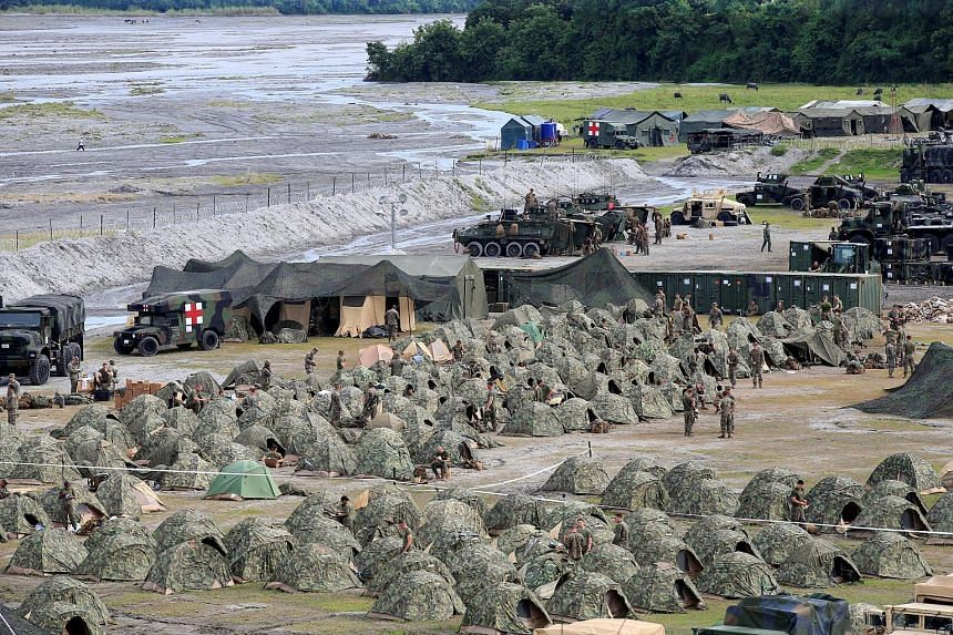 US military forces prepare for the annual Philippines-US live fire amphibious landing exercise at Crow Valley in Capas, Tarlac province, Philippines on Oct 10, 2016.