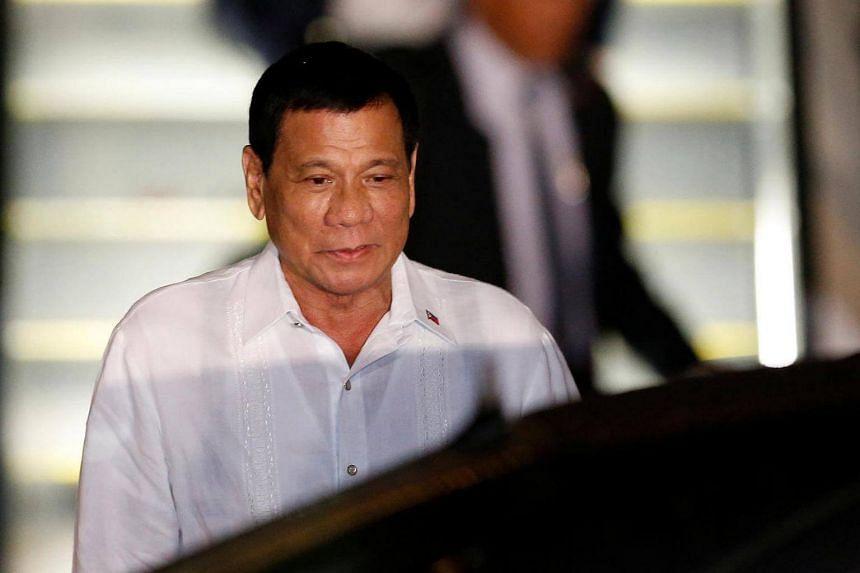 Philippine President Rodrigo Duterte arrives at Haneda international airport in Tokyo, Japan on Oct 25, 2016.