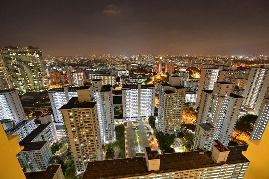 A view of the high-rise HDB flats in Toa Payoh taken at night. A purported benefit of smart meters is that they can allow consumers to see their utility consumption every half an hour.