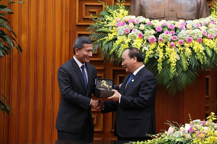 Minister for Foreign Affairs Vivian Balakrishnan has reaffirmed bilateral relations between Singapore and Vietnam during a meeting with Prime Minister Nguyen Xuan Phuc in Hanoi, Singapore's Ministry of Foreign Affairs said in a statement yesterday. D