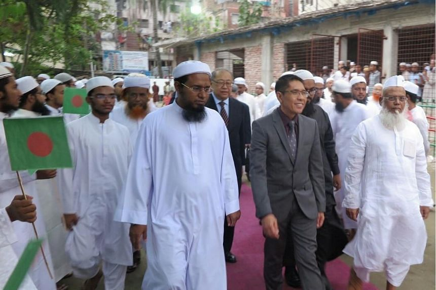 Senior Minister of State Maliki Osman visiting a madrasah in Dhaka, during his trip to Bangladesh.