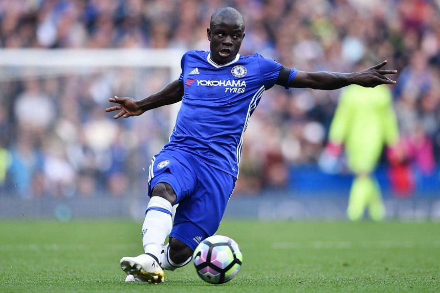 Chelsea's French midfielder N'Golo Kante controls the ball during the English Premier League football match between Chelsea and Leicester City at Stamford Bridge in London on Oct 15, 2016.