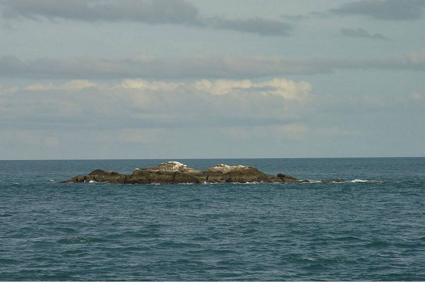 A view of Middle Rocks, near Pedra Branca.