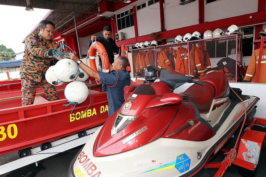 Fire and Rescue Department personnel preparing for expected major flooding in the coming weeks. Pahang, Kelantan and Terengganu are expected to bear the brunt of the north-east monsoon season.