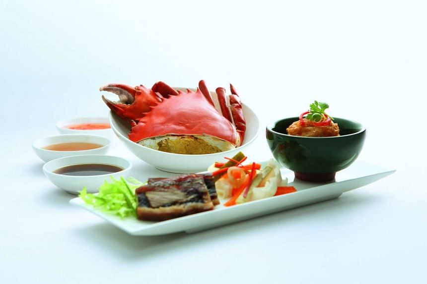 Cold Crab, Pig Trotter Jelly and Hei Chor are available in first class cabins.