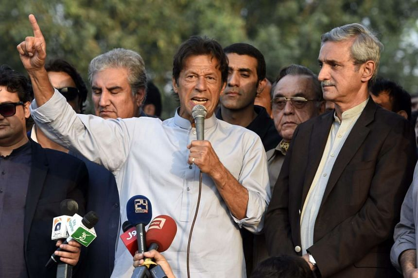 Imran Khan, the head of opposition political party Pakistan Tehrik-e-Insaf speaks during a press conference in Islamabad, Pakistan, on Oct 31, 2016.