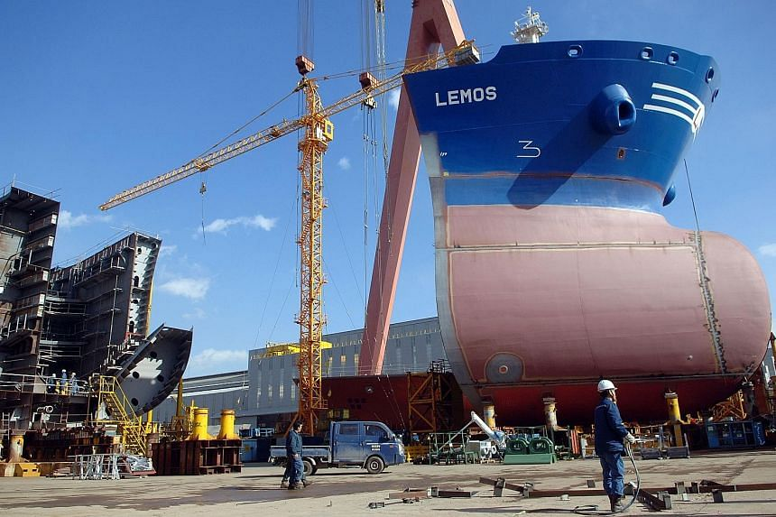 South Korea is home to the world's three biggest shipbuilders, including Hyundai Heavy Industries (right). The government plans to order more than 250 vessels to strengthen the efficiency of shipping firms to the end of the decade.