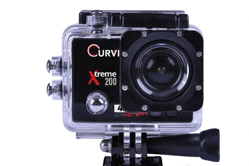 In spite of its affordable price tag, the Curve Xtreme 200 can still offer slow-motion recording, time-lapse and loop recording, as well as adjustable exposure and white-balance settings.