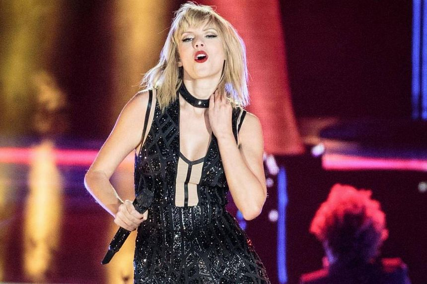 Taylor Swift performs her only full concert of 2016 during the Formula 1 United States Grand Prix at Circuit of The Americas.
