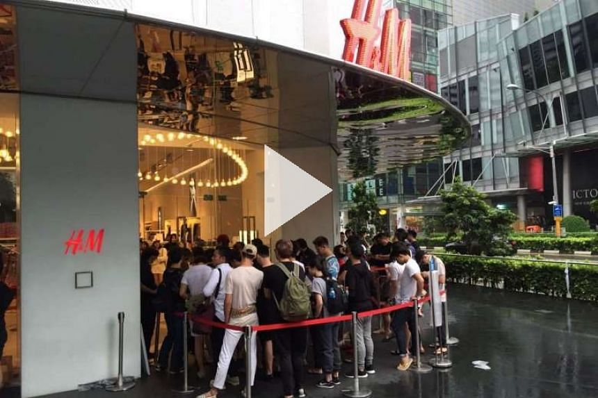 H M S Collaboration With Kenzo Draws Long Queues At Orchard Building And Ion Orchard Style News Top Stories The Straits Times