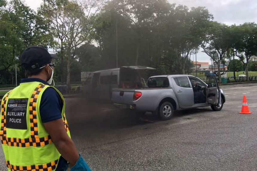 A foreign-registered pick-up was caught emitting smoke of opacity exceeding 70 HSU and was turned back to Malaysia.
