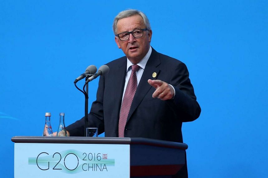 European Commission chief Jean-Claude Juncker has warned European companies not to cut special deals with Britain ahead of formal Brexit negotiations.