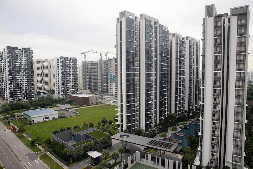 Rents for non-landed private homes and HDB flats continued their slide in October, slipping by 0.4 per cent and 0.5 per cent respectively from September.
