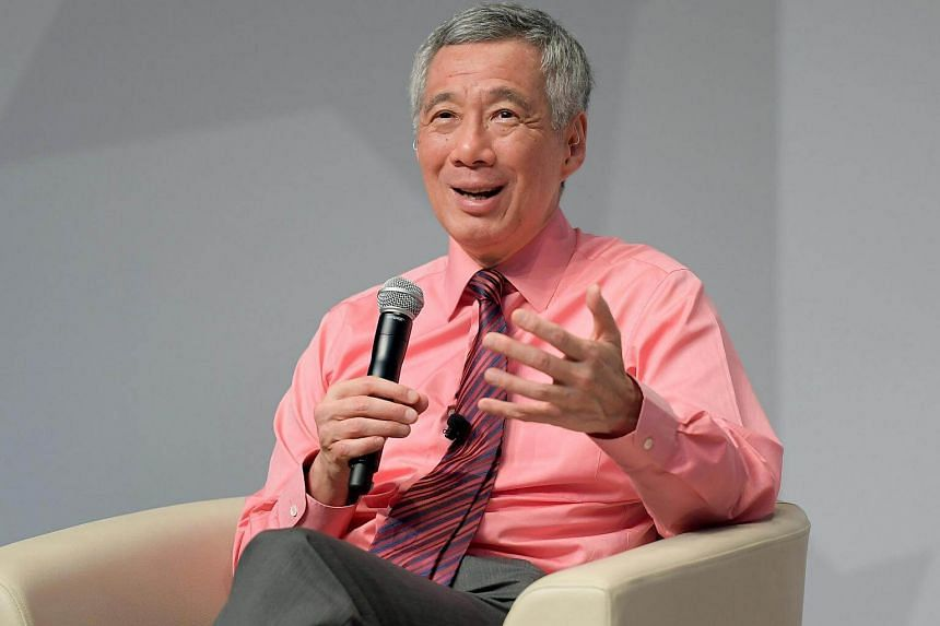 Prime Minister Lee Hsien Loong engages students from Singapore Institute of Technology (SIT) in a dialogue session.