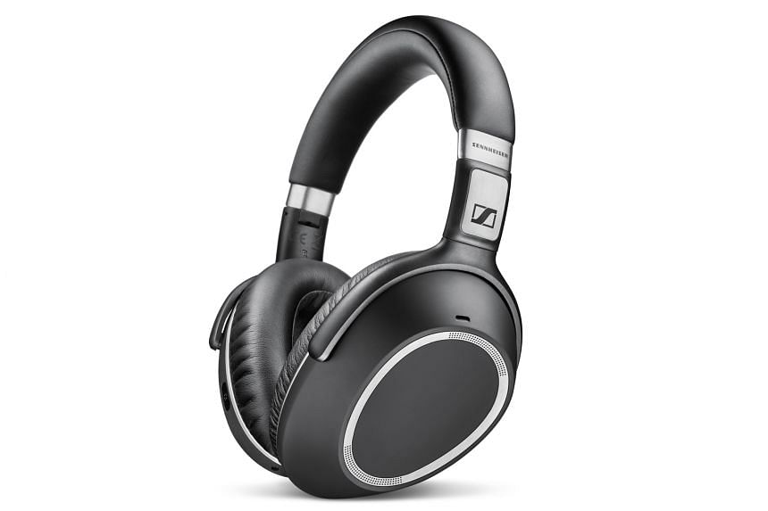 As expected of a Sennheiser product, the sound quality of the PXC 550 is top-notch.