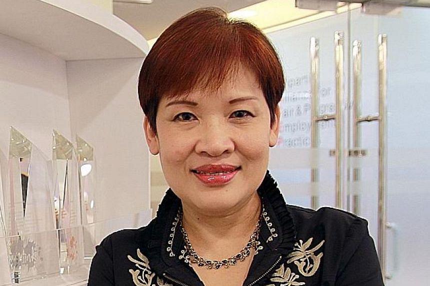 Mrs Roslyn Ten