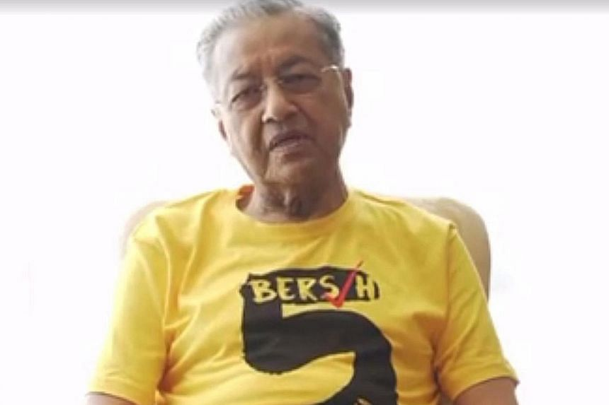 Dr Mahathir wearing a Bersih 5 T-shirt in a video released yesterday.