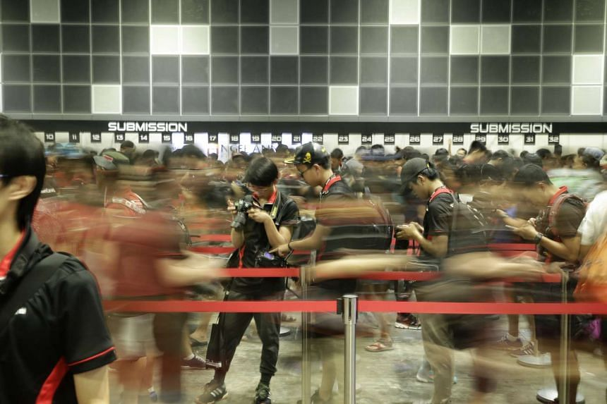 Around 2,000 photography enthusiasts from Singapore and the region were out and about on Saturday (Nov 19) for the Canon Photo Marathon.