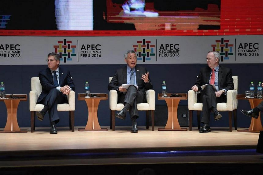 PM Lee Hsien Loong speaks at the CEO Summit on Nov 18, 2016.