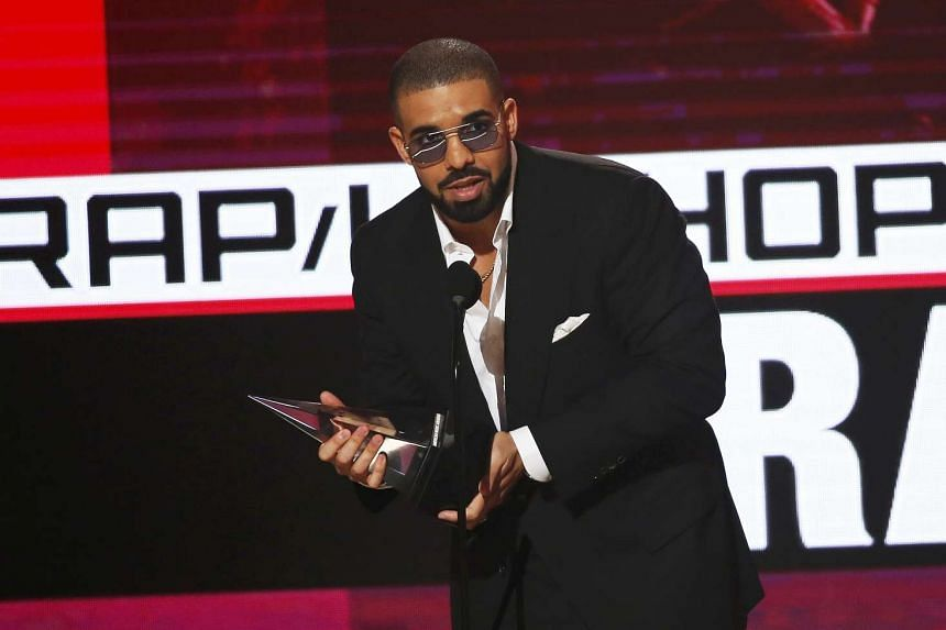 Recording artist Drake walks to the stage to accept the Favorite Artist - Rap/Hip Hop award during the 2016 American Music Awards in Los Angeles, California on Nov 20, 2016.
