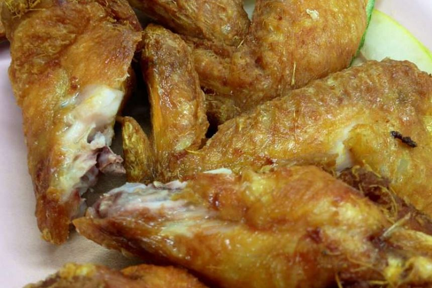 Early investigation found that the victim had fought with a group of inmates over fried chicken on the previous night.