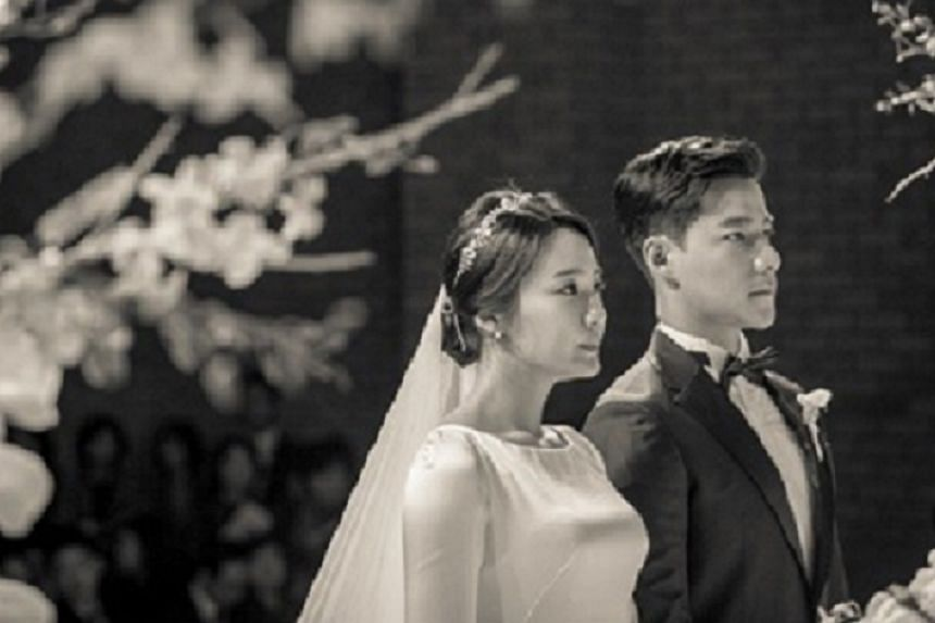 Actor Cho Jasper Tae Kwan of the hit TV drama Descendants Of The Sun has tied the knot with Noh Hye Ri.