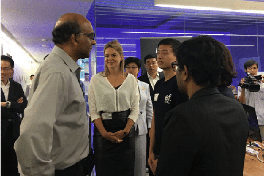 Deputy Prime Minister Tharman Shanmugaratnam meets attendees at the launch of SGInnovate.