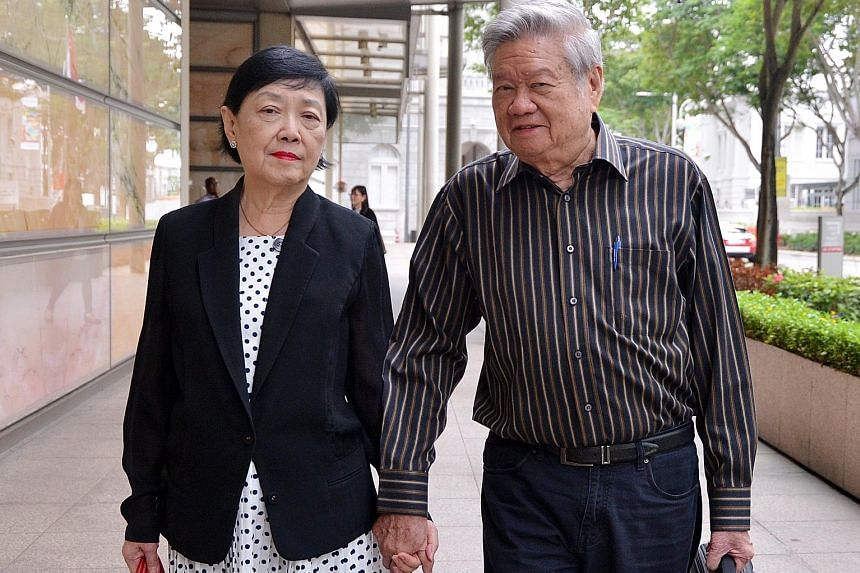 Mr and Mrs Ong (left) are seeking damages of between $4.2 million and $7.2 million. Appearing as expert witnesses were Mr Tan (top), formerly of NTUC Income, for the Ongs; and Mr Mun (above), formerly of Tokio Marine, for AIA.