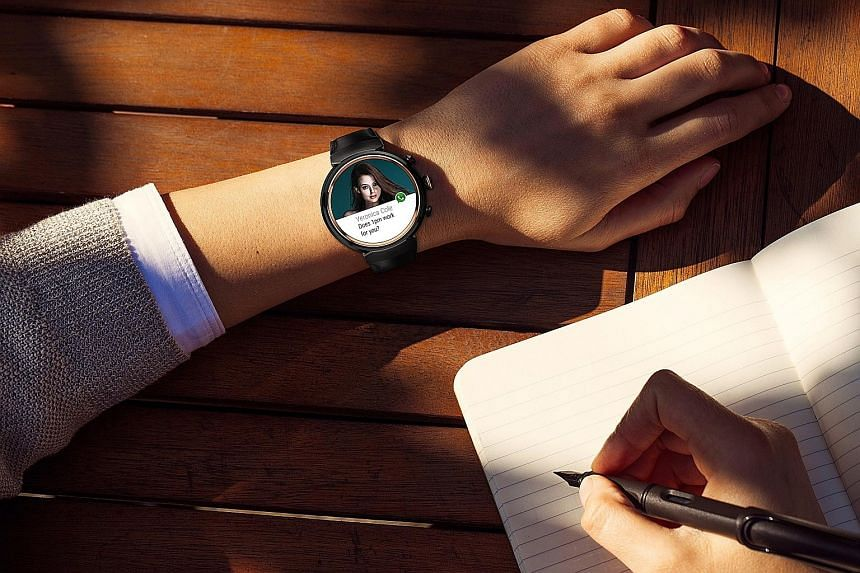 The smartwatch also comes with 50 Asus watch faces, which you can manage and customise via the Asus ZenWatch Manager app.