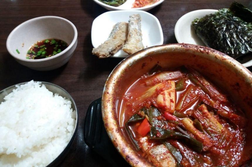 Braised hairtail fish in a sweet pungent sauce at Jungang Galchi Shikdang.