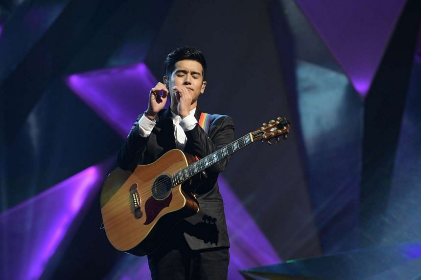 Singapore singer Nathan Hartono performed for the 1,500-strong crowd at the seventh edition of the StarHub TVB Awards, held on Oct 22, 2016 at Marina Bay Sands.