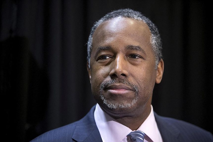Retired surgeon Ben Carson has been offered the post of secretary of housing and urban development.