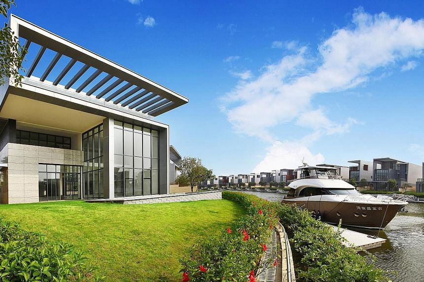 Keppel Cove is an integrated residential and marina lifestyle development in the Pearl River Delta region of Zhongshan city. The Keppel Land project spanning about 890,000 square metres will comprise 250 waterfront villas, each with a private berth,