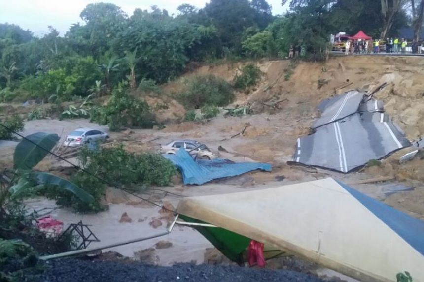A major landslide occured in the Malaysian state of Selangor on Saturday morning (Nov 26).