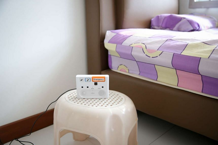 A motion sensor in the bedroom allows the detection of movement.